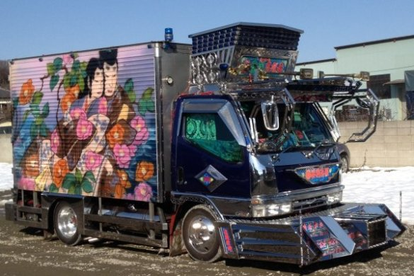 Decotora   Decorated Trucks of Japan   Japan Travel   Japan Tourism     Art on a truck