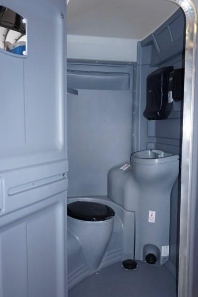 Executive Units Portable Restrooms Rentals DE