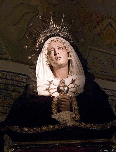 https://i2.wp.com/a33.idata.over-blog.com/420x549/1/93/30/42/9/La-Vierge-des-7-douleurs--Iglesia-del-Santo-Angel.-Sevilla.jpg