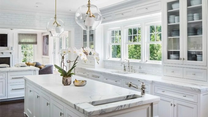 Diffe Cabinet Surfaces Require Cleaning Techniques Whether Your Cabinets Are Stained Painted Or Laminate They All Need Special Attention