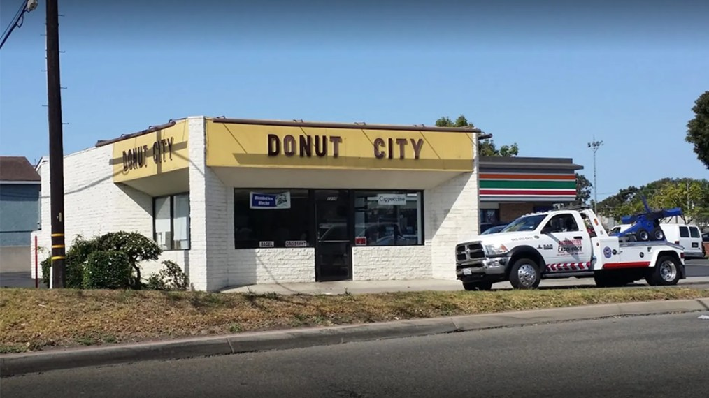 Customers of a California doughnut shop are reportedly doing what they can to help the store's owner and his wife, who recently had an aneurysm.