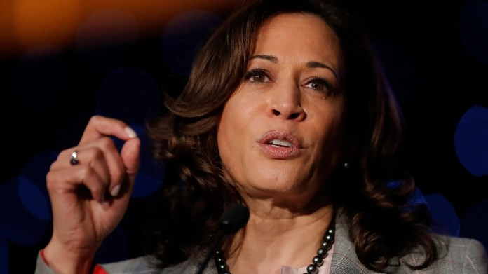 Demokratischer Präsidentschaftskandidat Sen. Kamala Harris, D-Calif., Spricht auf der Alpha-Kappa-Alpha-Sorority-Südkonferenz in New Orleans. (AP Foto / Gerald Herbert)