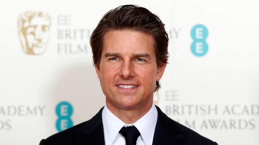 Tom Cruise posa en la Academia Británica de cine y Artes (BAFTA) de los premios en la Royal Opera House de Londres.
