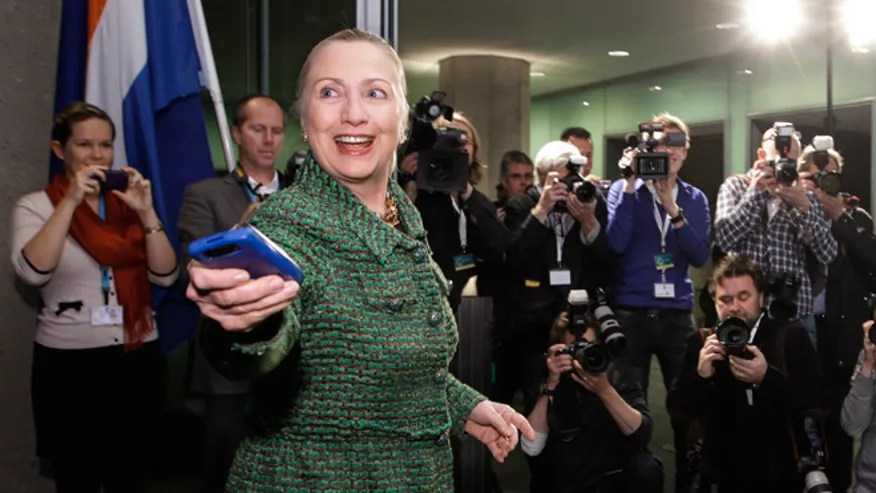 660-Hillary-mobile-phone.jpg