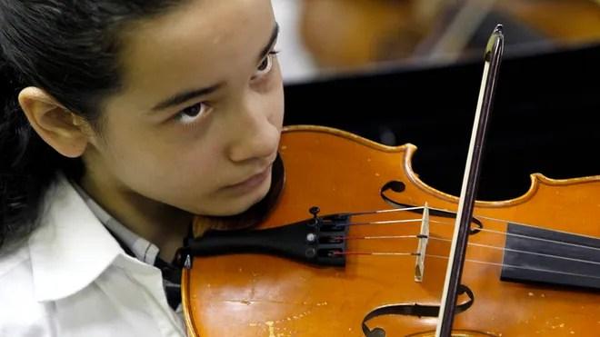 Saving-the-music-Burgos-Violin