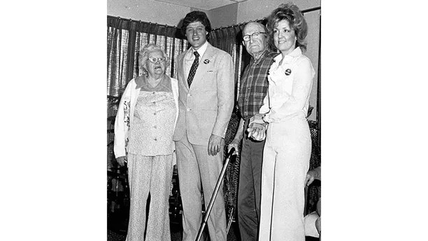 - FILE PHOTO - Juanita Broaddrick (R) of Van Buren, Arkansas with Bill Clinton and unidentified residents of her retirement home, in 1978. President Clinton's lawyer is denying the Arkansas woman's charge that Clinton sexually assaulted her more than 20 years ago when he was the state's attorney general. [Juanita Broaddrick's account first appeared in a column on the editorial page of Friday's Wall Street Journal. In an interview with the Washington Post published February 20, Broaddrick said Clinton, then 31, forced himself on her in a Little Rock hotel room in 1978.] (B&W ONLY) - PBEAHULWICG