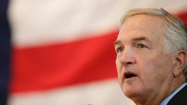 Sen. Luther Strange (R-AL) thinks President Trump's comments about kneeling NFL players on Friday will help his campaign.
