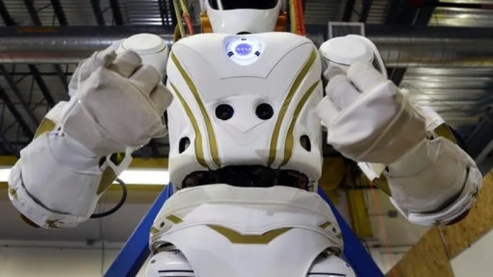 A 6-foot, 300-pound Valkyrie robot is seen at University of Massachusetts-Lowell's robotics center in Lowell, Mass. (AP Photo/Elise Amendola)