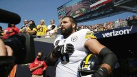 http://www.foxnews.com/sports/2017/09/25/steelers-coach-mike-tomlin-raps-alejandro-villanueva-for-standing-for-national-anthem.html