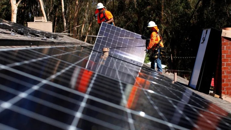 California expected to mandate solar panels for new homes   Fox News Solar installers from Baker Electric place solar panels on the roof of a  residential home in
