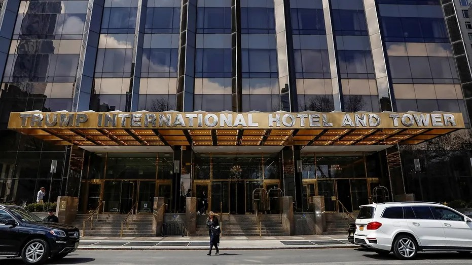 Matthew Pilling, 30, pennyless into a groundwork of a Trump International Hotel around midnight and was booted by hotel confidence when he was found roaming a halls.