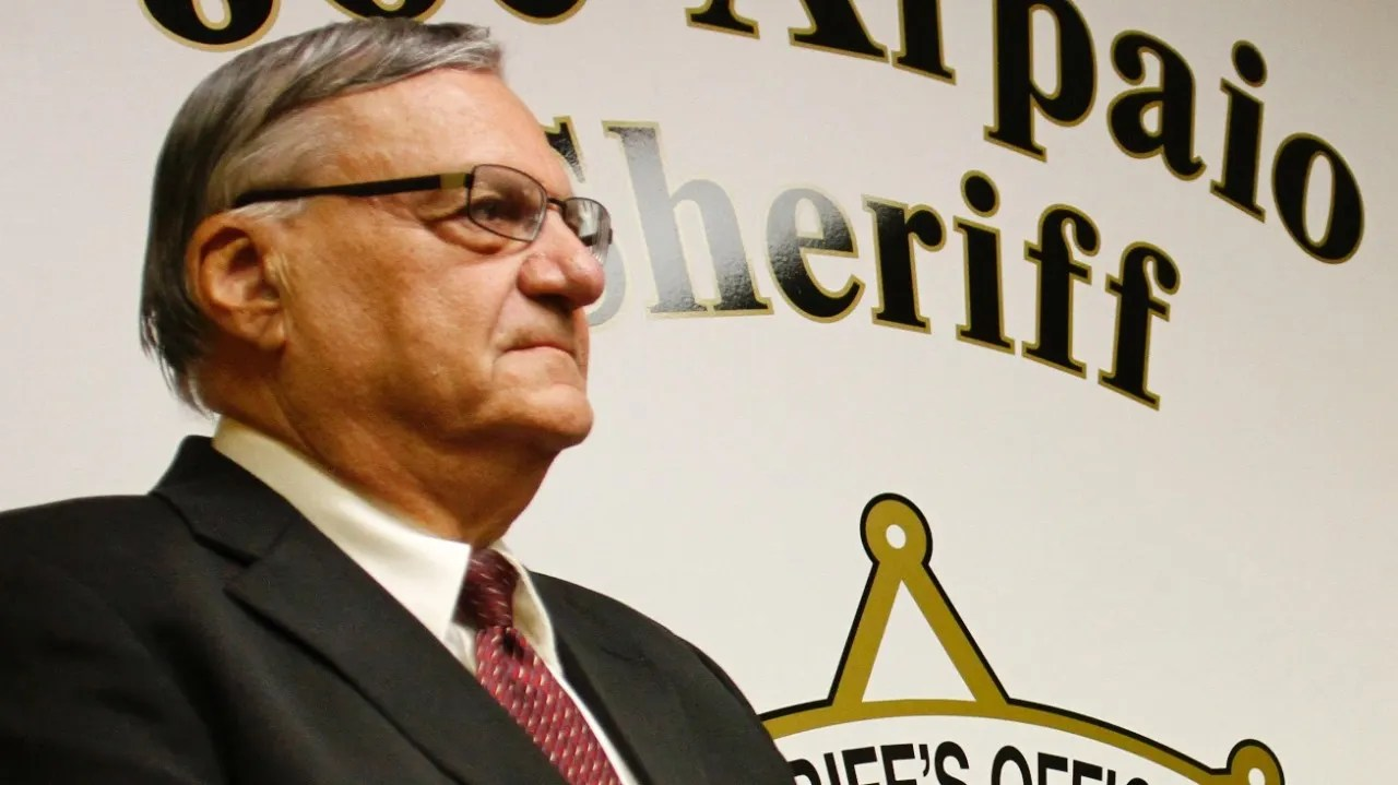 https://i2.wp.com/a57.foxnews.com/images.foxnews.com/content/fox-news/us/2016/07/05/sheriff-arpaio-rolls-out-jail-uniforms-featuring-us-flag/_jcr_content/par/featured-media/media-0.img.jpg/0/0/1467733915750.jpg