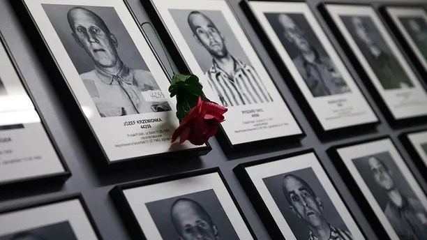 Portraits of victims are seen on the wall in of the barracks of the former Nazi German concentration and extermination camp Auschwitz-Birkenau in Oswiecim, Poland January 27, 2016, during ceremonies to mark the 71st anniversary of the liberation of the camp by Soviet troops and to remember the victims of the Holocaust.  REUTERS/Kacper Pempel - LR2EC1R0PVD0T
