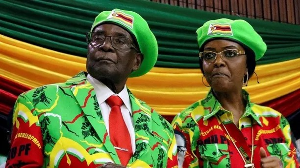 Zimbabwean President Robert Mugabe and his wife Grace attend a meeting of his ruling ZANU PF party's youth league in Harare, Zimbabwe, October 7, 2017. REUTERS/Philimon Bulawayo - RC13AC3AE6D0