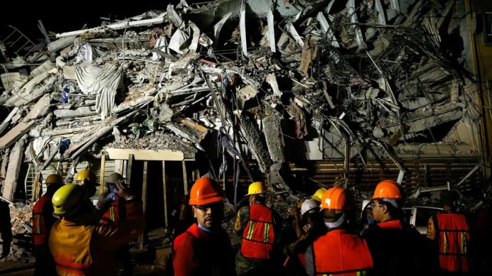 Photos: 7.1 magnitude earthquake kills more than 200 in Mexico