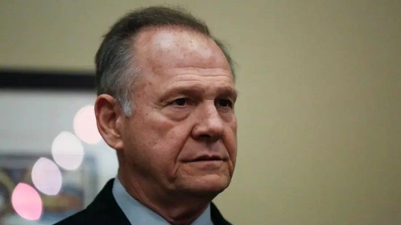 Wall Street Journal editorial page editor Dan Henninger discusses how the resignation of Rep. John Conyers (D-Mich) and Sen. Al Franken (D-Minn.) could affect the GOP, which continues to support U.S. Senate Alabama candidate Roy Moore amid reports that he sexually harassed underage girls.