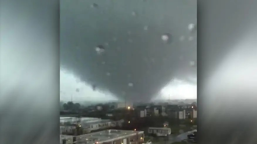 Raw video: Severe storms generate tornadoes in Louisiana