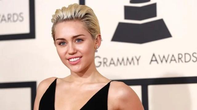 Fox411: Miley Cyrus says she's given up marijuana