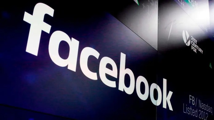 Facebook shifts focus to privacy