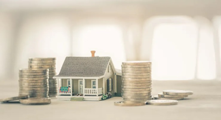 Eliminating unfavorable mortgage refinancing costs is 'good news for homeowners,' says expert - here's why: