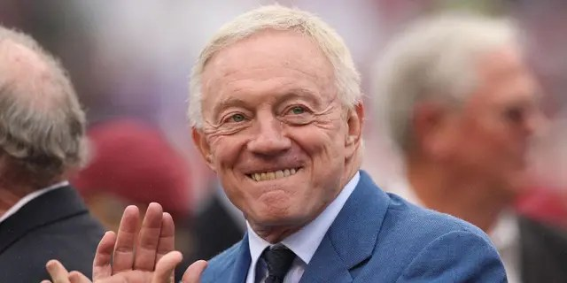Dallas Cowboys owner Jerry Jones, seen in 2014, didn't have much to be happy about after the team's loss on Monday night. (Nelson Chenault-USA TODAY Sports)