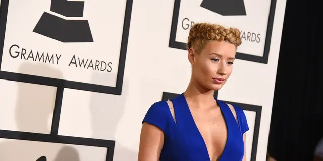 Iggy Azalea revealed that he could not get to his home in Calabasas because of Woolsey Fire.