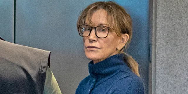 Felicity Huffman is seen inside the Edward R. Roybal Federal Building and U.S. Courthouse in Los Angeles, on Tuesday, March 12, 2019. (Photo by DAVID MCNEW / AFP) (DAVID MCNEW/AFP/Getty Images)