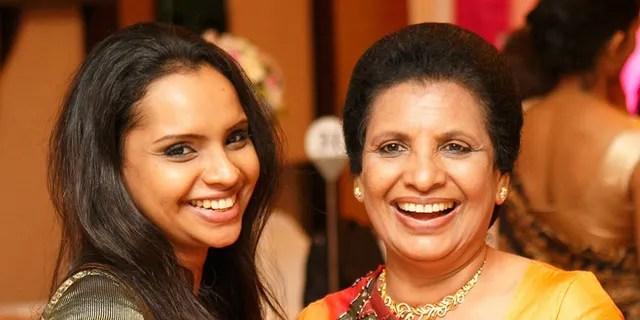 Zu den ersten Opfern gehörten: Shantha Mayadunne, eine Fernsehköchin (rechts), und ihre Tochter Nisanga. (Facebook)