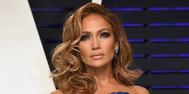 Jennifer Lopez arrives at the Vanity Fair Oscar Party on Sunday, Feb. 24, 2019, in Beverly Hills, Calif.