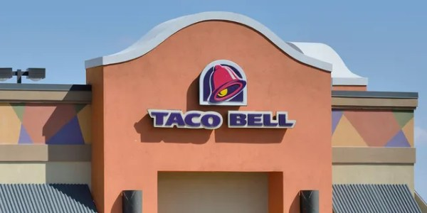 Taco Bell customers file suit, claiming overcharge for chalupas