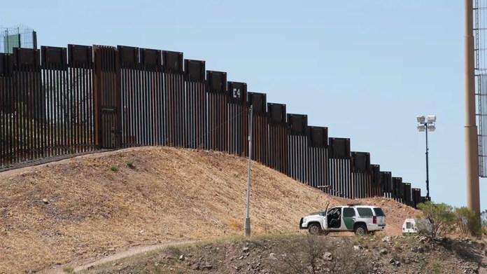 Resultado de imagen para California teen used remote-controlled car to smuggle meth across Mexico border, investigators say