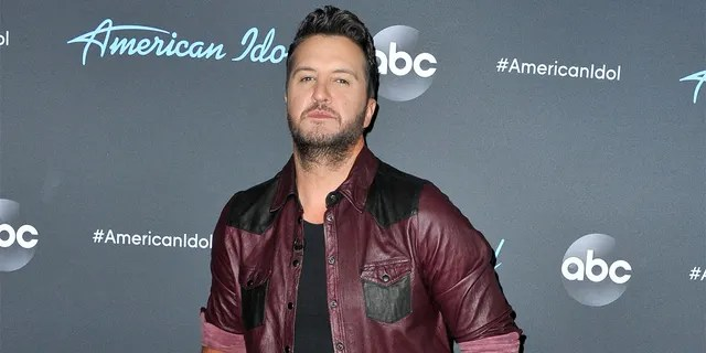 Luke Bryan showed off a painful yet minor injury when he went out on a fishing trip on Tuesday.