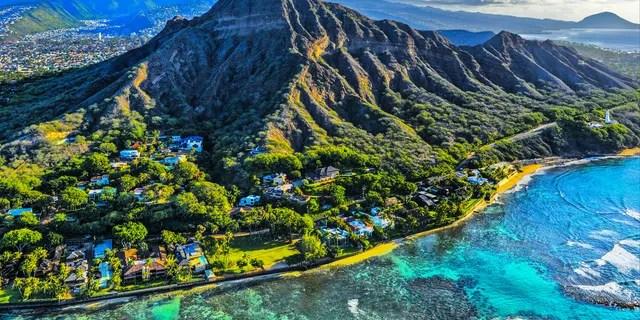 Путешественникам на Гавайи может потребоваться пройти тестирование на COVID-19 перед полетом на остров.