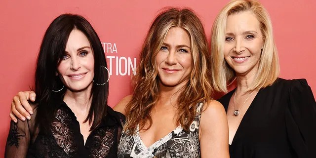 'Fiends' actress Lisa Kudrow, right, revealed that her firing from 'Frasier' ultimately led to her role as Phoebe on the popular sitcom costarring Courteney Cox, left, and Jennifer Aniston, center. (Photo by Gregg DeGuire/Getty Images for SAG-AFTRA Foundation)