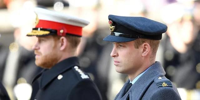 Le prince Harry, duc de Sussex, et le prince William, duc de Cambridge assistent au mémorial du dimanche du souvenir au cénotaphe le 10 novembre 2019 à Londres, en Angleterre.