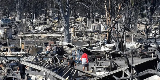 According to the Federal Emergency Management, people in Phoenix's mobile home park Phoenix, Ore., Were killed in a fire incident at the Alameda Fire in the cities of Phoenix and Talent in downtown Orena, Phoenix.  Pass through.  Agency.  (Scott Stoddard / Grant Daily Courier via AP)