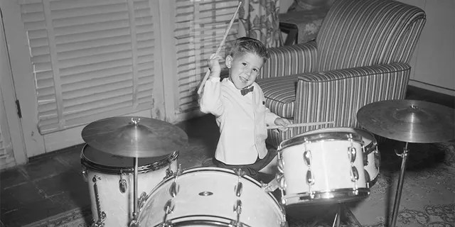 Keith Thibodeaux, at the age of 3, had a contract with Horace Heidt's orchestra.