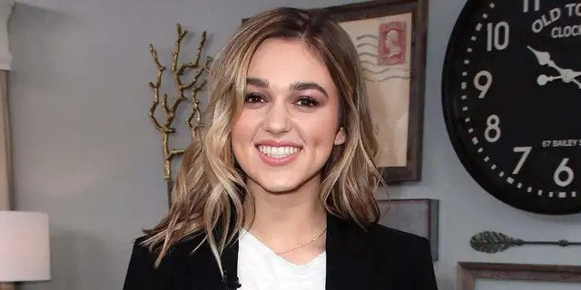Sadie Robertson revealed that one of her daughter Honey's shoulders got 'stuck' during birth, but she suffered no injuries.