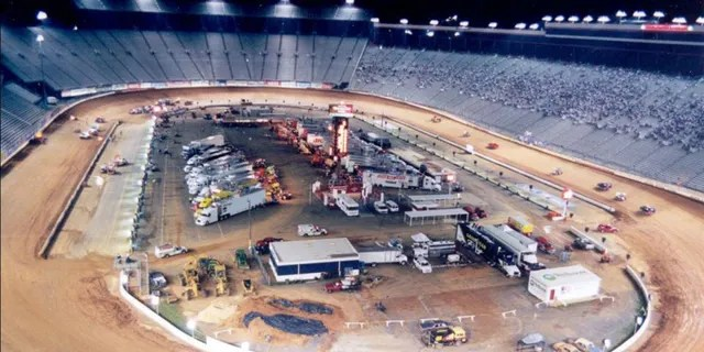 Bristol Motor Speedway was previously covered in clay for World of Outlaws races in 2000 and 2001.