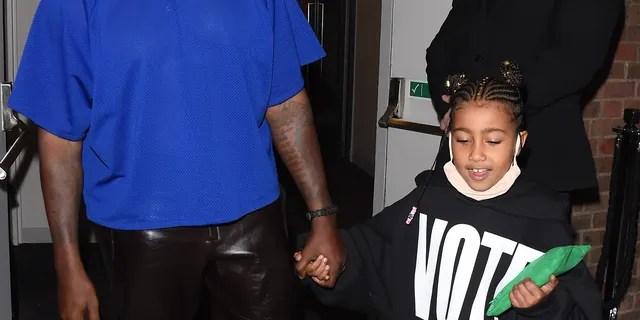Kanye West, daughter North, 5, don 'Vote Kanye' shirts at London fashion show