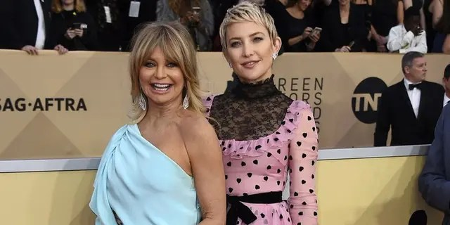 Kate Hudson is the daughter of Oscar-winning actress Goldie Hawn.