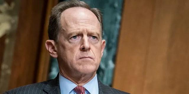 Sen. Pat Toomey, R-Pa., questions Treasury Secretary Steven Mnuchin during a Congressional Oversight Commission hearing on Capitol Hill in Washington, Dec. 10. (Sarah Silbiger/The Washington Post via AP, Pool)