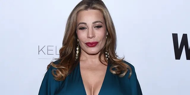 Taylor Dayne was criticized for performing at Mar-a-Lago on New Year's Eve.