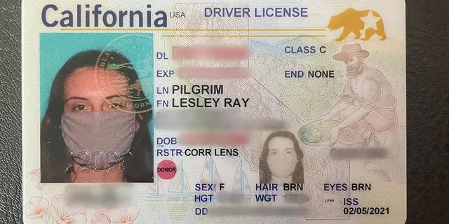 Leslie Pilgrim's new drivers license showed her wearing a face mask, which became the norm during the COVID-19 epidemic.  (Leslie Pilgrim)
