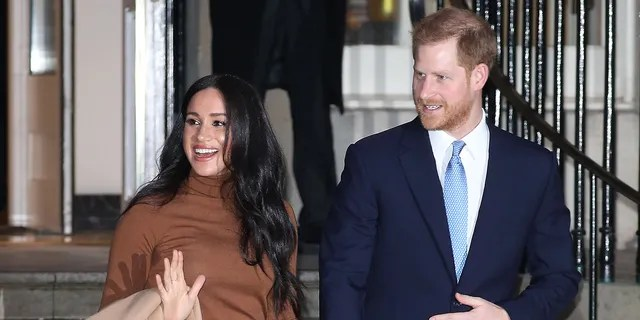LONDON, ENGLAND - JANUARY 07: Prince Harry, Duke of Sussex and Meghan, Duchess of Sussex depart Canada House on January 07, 2020 in London, England. (Photo by Neil Mockford/GC Images)