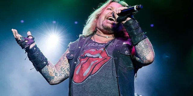 Mötley Crüe frontman Vince Neil walked off stage at the Boone River Valley Festival in Iowaafter his voice gave out. (Photo by Andrew Chin/Getty Images)