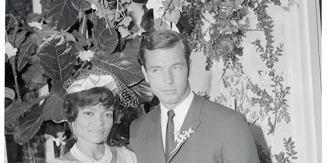 Earth Kitt and John William McDonald were married from 1960 until 1964.