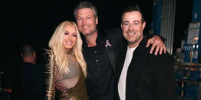 Carson Daly officiated the wedding of Blake Shelton and Gwen Stefani.