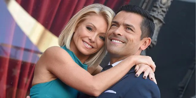 Kelly Ripa shared a photo of herself and her husband mark Consuelos enjoying time together after their youngest child moved out.