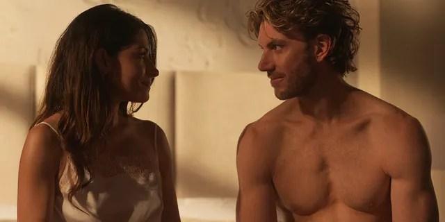 Sarah Shahi (L) as Billie Connelly and Adam Demos (R) as Brad Simon in 'Sex/Life' on Netflix.